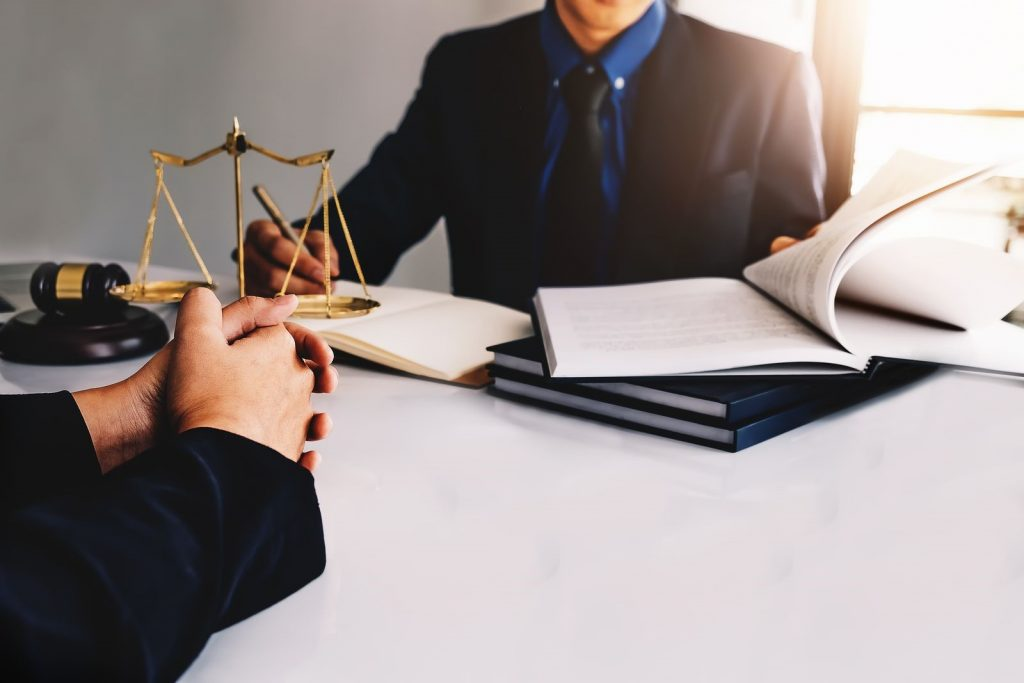 attorney vs lawyer salary